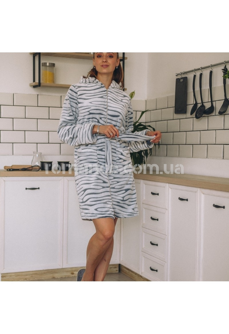 Женский махровый короткий халат Woman Romance Style 8866